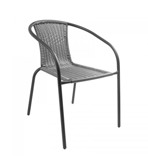 Szare krzesło polirattan doskonale sprawdza się zarówno w ogrodzie, na balkonie czy tarasie, jak i w restauracji.