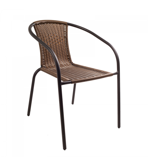 Brązowe krzesło polirattan doskonale sprawdza się zarówno w ogrodzie, na balkonie czy tarasie, jak i w restauracji.
