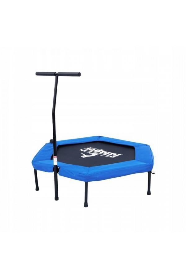 Trampolina fitness z uchwytem i osłoną zabezpieczającą.