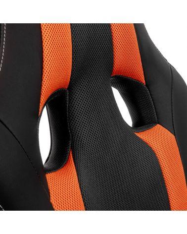 Fotel gamingowy w kolorze czarno-pomarańczowym.
