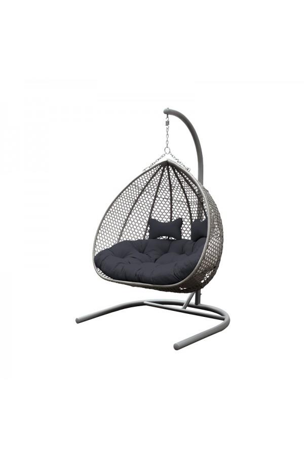 Dwuosobowy fotel wiszący do ogrodu - doskonałe miejsce na wspólny relaks w przydomowym zaciszu.