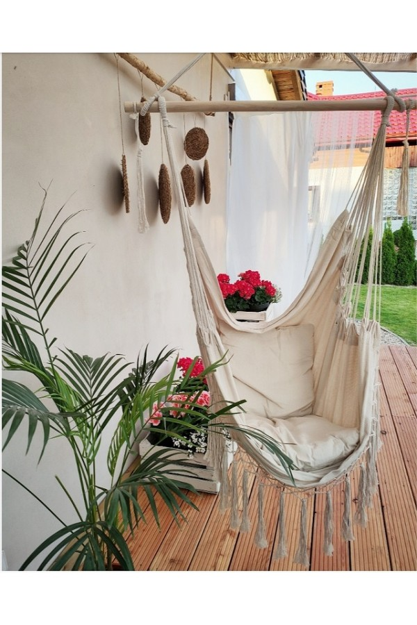Wiszący fotel podwieszany boho to doskonałe miejsce na relaks