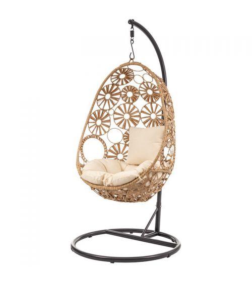 Meble tarasowe z technorattanu - wiszący fotel rattanowy kokon z wygodnymi poduszkami.