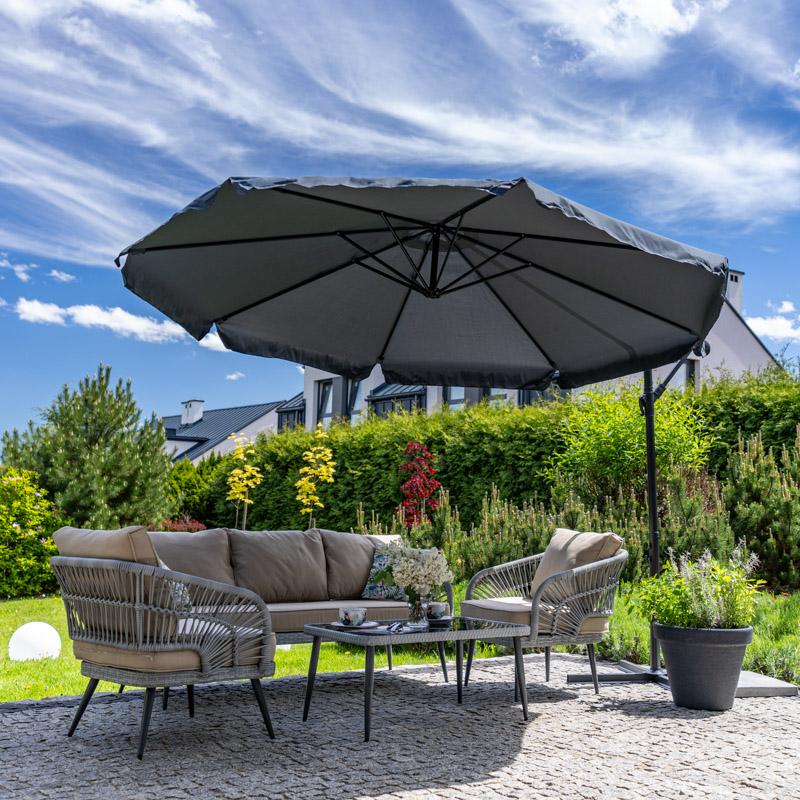 Duży parasol ogrodowy w kolorze grafitowym