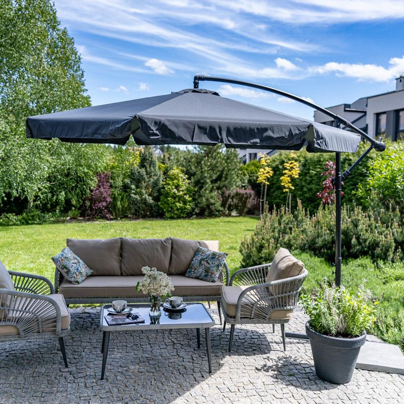 Duże parasole ogrodowe