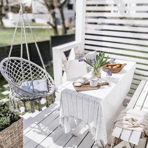 Zaczynamy najlepszy miesiąc w roku i mamy nadzieję, że będzie on słoneczny, ciepły i pełen pozytywnych niespodzianek. 💚 Właśnie tego Wam szczerze życzymy!  Jak spędziliście tegoroczną Majówkę? 🌷 📸@minimalnie_maksymalna   #Majowo #ogródzmajowo #majowo_pl #majówka #weekendmajowy #maj #mayweekend #weekend #may #thebestmonth #spring #wiosna #ogrodoweinspiracje #ogród #homeinspiration #gardeninspiration #gardenideas #gardendecor #garden #gardendesign #terrace #furniture #gardenfurniture #furnituredesign #mebleogrodowe #sunnyday #haveagoodday #haveaniceday #relax #sun