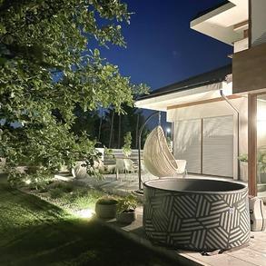 Znajdźcie czas na relaks o każdej porze.🌜 Co powiecie na wieczorną lampkę wina w naszym jacuzzi? Nie wyobrażamy sobie lepszego miejsca na odpoczynek. 🥂 📸@voiceofmyhome   #Majowo #majowo_pl #jacuzzi #ogródzmajowo #ogrodowejacuzzi #jacuzzitime #jacuzziogrodowe #wieczór #lampkawina #wino #odpoczynek #gardeninspiration #gardenfurniture #gardenspace #relax #takeiteasy #relakswogrodzie #czasnarelaks #relakszmajowo #rest #księżyc #nightlife #night #bąbelki #ogród #garden #gardenspace #together #chillout #chillouttime #perfectevening