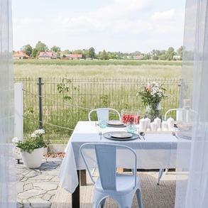 Stwórzmy wspólnie bazę inspiracji. 🌻 1️⃣ Udostępnij zdjęcia swojego ogrodu, tarasu i balkonu. 2️⃣ Oznacz nasz profil @majowo_pl.  3️⃣ Będzie nam miło, jeżeli dodasz hasztagi #Majowo #ogródzmajowo #domzmajowo #majoweinspiracje.  I gotowe, a teraz do dzieła. 💪 📸@piaskowy_dom  #majowo_pl #domzmajowo #bazainspiracji #inspiracje #inspiration #udostępnijzdjecie #oznacznas #dodajhasztagi #dodzieła #gardeninspiration #homeinspiration #balconyinspiration #terraceinspiration #majoweinspiracje #gardenfurniture #furnituredesign #design #lovegardening #mylittlegarden #perfectgarden
