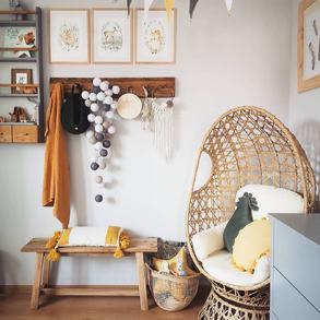 Planujesz zakup mebli, które wpasują się w każde otoczenie?  Nasze krzesło obrotowe Positano to świetny wybór dla każdego - doskonale sprawdzi się zarównojako fotel do ogrodu, jak i do domu. 💚💚 📸 @zadomowiona  #Majowo #domzmajowo #mojemieszkanie #mieszkaniezpomyslem #polskiewnetrza #polskidom #wystrojwnetrz #livingroom #livingroomideas #livingspace #scandinavianstyle #scandinaviandesign #scandinavianhome #scandinavianinterior  #scandinaviandeco #homeinspiration #home #domoweinspiracje #nowoczesnewnętrze #decoration #decorationideas #decohome #decoinspiration #chillzone #fotelobrotowy #fotelrattanowy #fotelpositano #furnitures #hargingchair #inspiracje